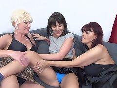 Homo adult amateur threesome with Evita S. plus Petunia
