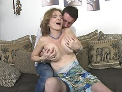 Mature blonde with saggy boobs Raina W. gets fucked doggy associated with