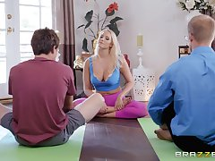 Bombshell yoga blonde Vanessa Cage opens her mouth nigh for a cumshot