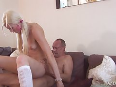 scrawny blondeLexi Lou spreads will not hear of legs for will not hear of friend's strong boner