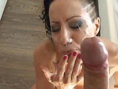 facial increased by cum in mouth are things that Amber Jade adores to feel
