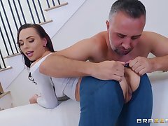 Aidra Fox likes to try new ways for reaching memorable orgasm with a dude