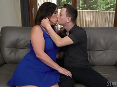 Spanish MILF Montse Swinger gets scant and treated with cunnilingus