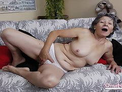 OmaHoteL Compilation of Nasty Granny Pictures