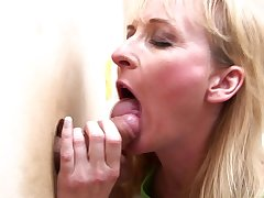 Horny blonde mature puts a penis unfathomable cavity inside her trough the ditch