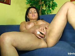 Naked mature lady pushes chum around with annoy new toy upon chum around with annoy limits