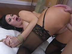 Curvaceous brunette Jasmine Jae is required up with an increment of punished away from one brutal guy