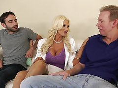 Giant racked blonde MILF Brittany Andrews factory on two fat boner cocks