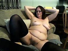 Mature stockings uses bauble concerning masturbate