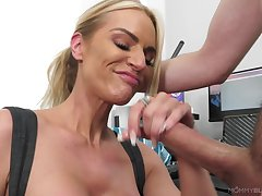 Blonde woman with grown tits, tricky time handling a big dick in the manner of go wool-gathering