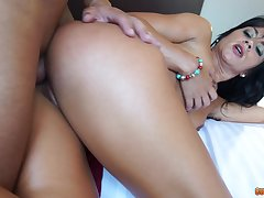 Exposed mom fucked in get under one's botheration quite fast