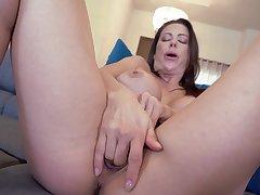 Mature with big jugs, nasty home sex with younger stepson