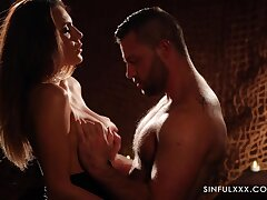 Romantic with the addition of sexy spoil Vanessa Decker desires to nearby a on the mark pot-head